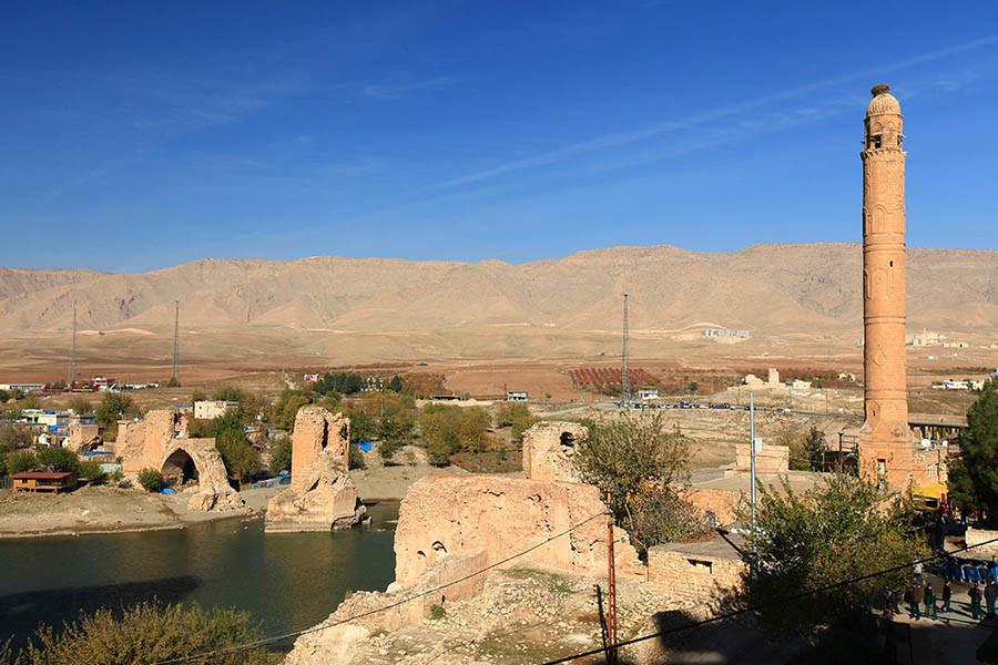 Eski Köprü ve İki Yollu Minare
